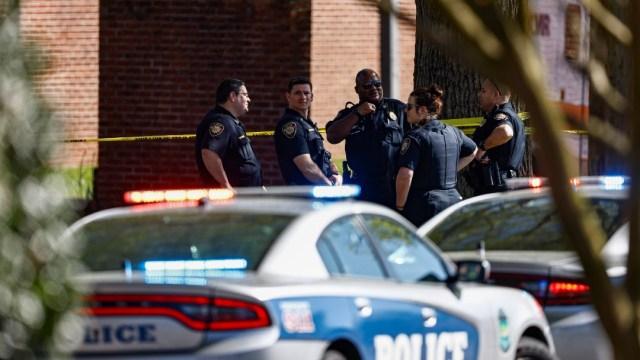 Tiroteo en secundaria de Tennessee deja un muerto, un policía herido y un detenido