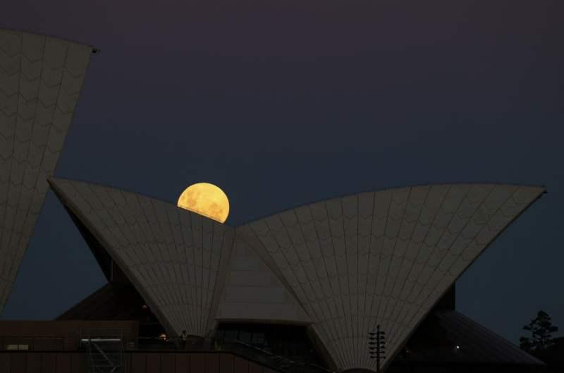 Fotos: así se vio el eclipse lunar y la superluna