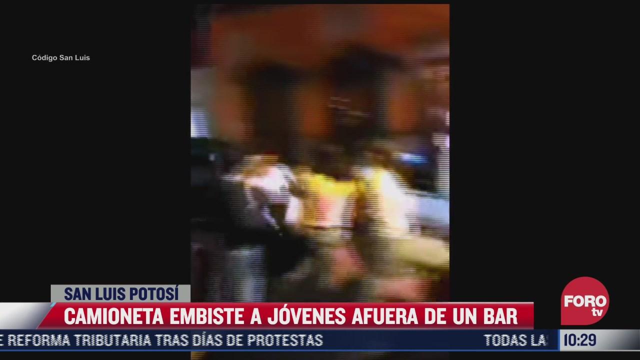 camioneta embiste a jovenes afuera de un bar en san luis potosi