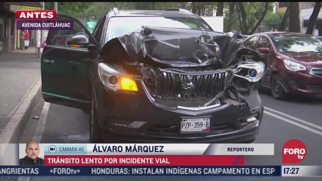 choque entre camioneta y camion de carga causa caos vial en av cuitlahuac