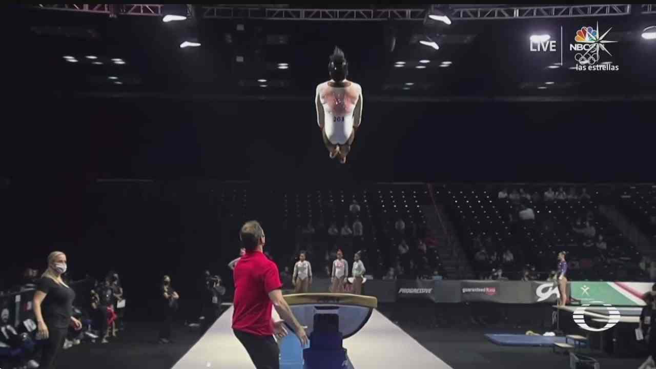 espectacular salto de la gimnasta simone biles