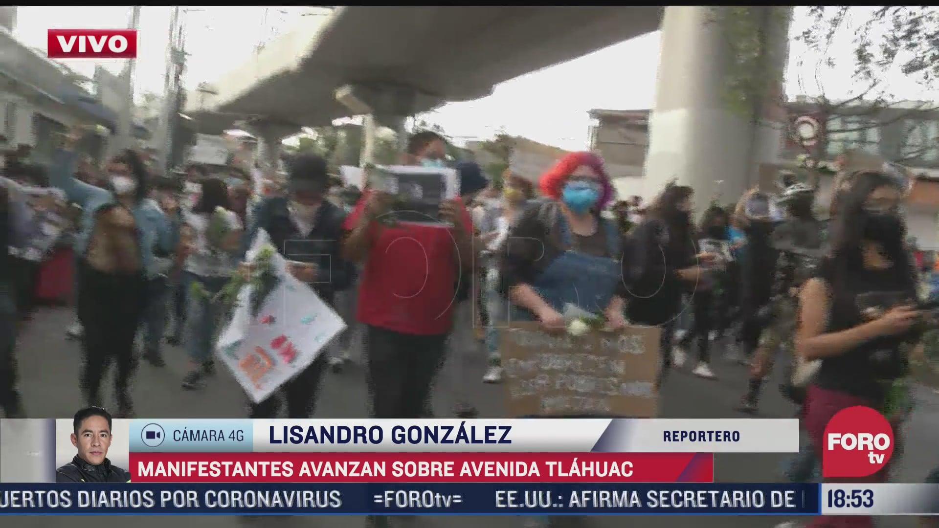 Manifestantes se movilizan sobre avenida Tláhuac tras accidente en línea 12 del Metro