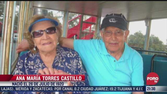 matrimonio de abuelitos de mas de 100 anos reciben vacuna covid
