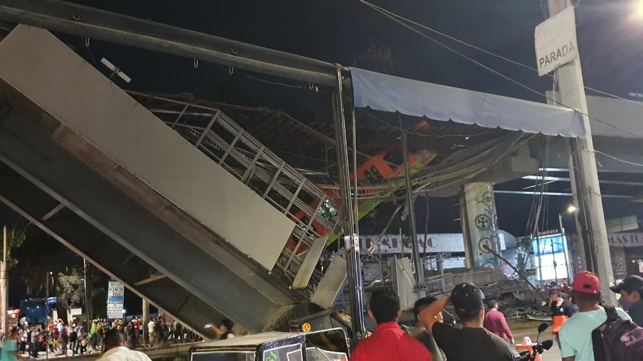 Se desploma 'ballena' con trenes del Metro CDMX en la estación Olivos de la Línea 12