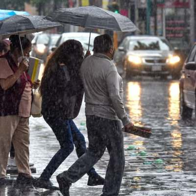 Se esperan fuertes lluvias en gran partes del país por canales de baja presión