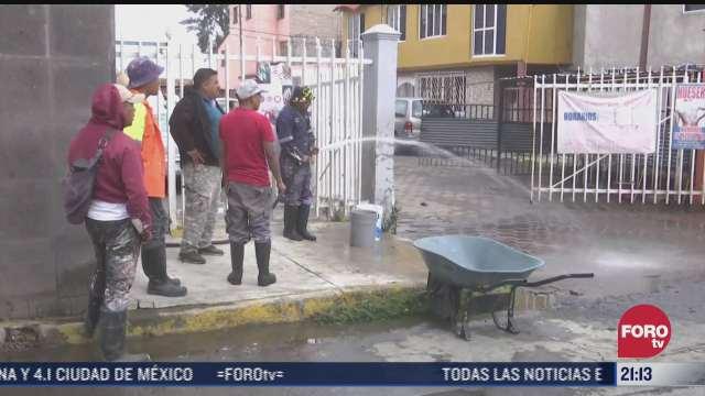 vecinos de iztapalapa pierden sus muebles tras inundaciones provocadas por la lluvia