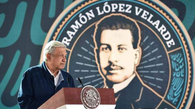 AMLO conmemora centenario luctuoso de Ramón López Velarde