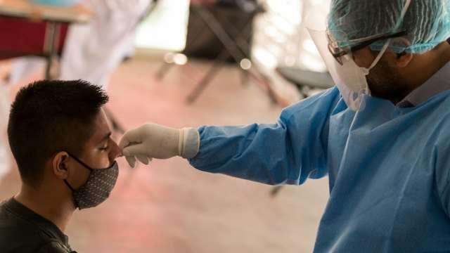 Aumentan contagios de COVID-19 entre niños; dan positivo en pruebas rápida en kioscos