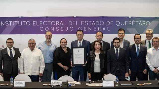 Entregan constancia a Mauricio Kuri como gobernador electo de Querétaro