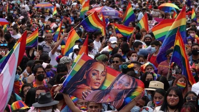 CDMX realiza la Marcha 43 del Orgullo LGBTTTI+ con miles de participantes