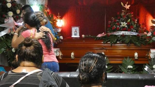 Familiares y amigos despiden a Ángel Fernando Ruiz Flores, joven fallecido durante el ataque armado en Reynosa