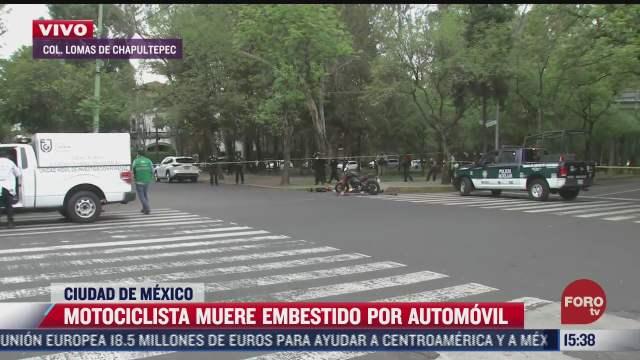 motociclista muere embestido por automovil en lomas de chapultepec