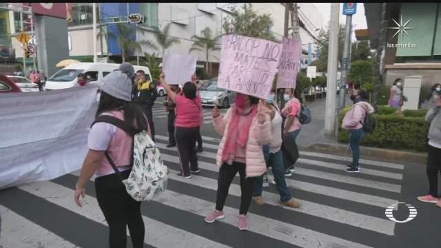 mujeres con cancer protestan afuera del hospital general de mexico por falta de medicinas