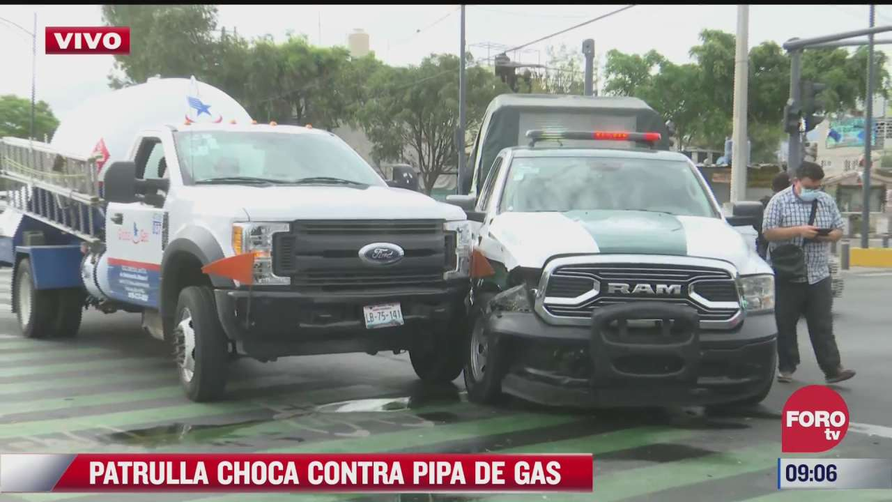 patrulla choca contra pipa de gas en alcaldia iztapalapa cdmx