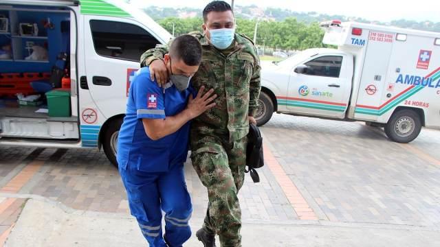 Explosión de coche bomba en batallón militar en Colombia