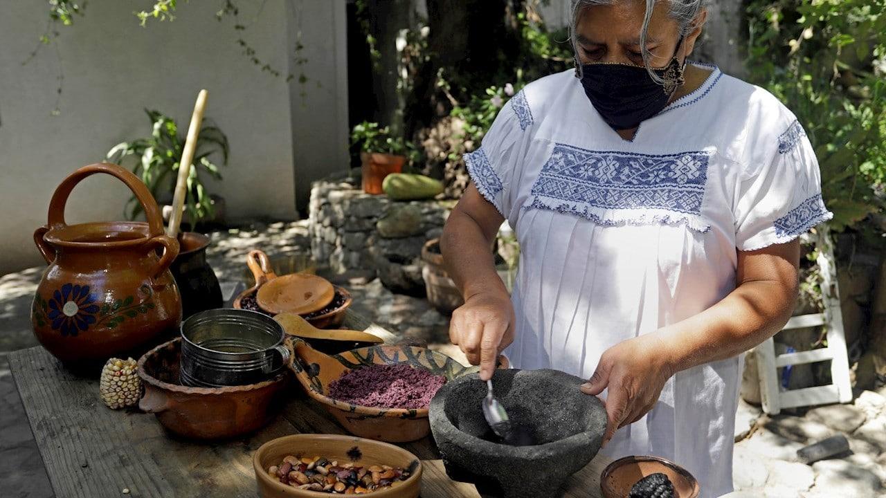 Atole de maíz morado gana concurso gastronómico nacional ¿A qué sabe la patria?