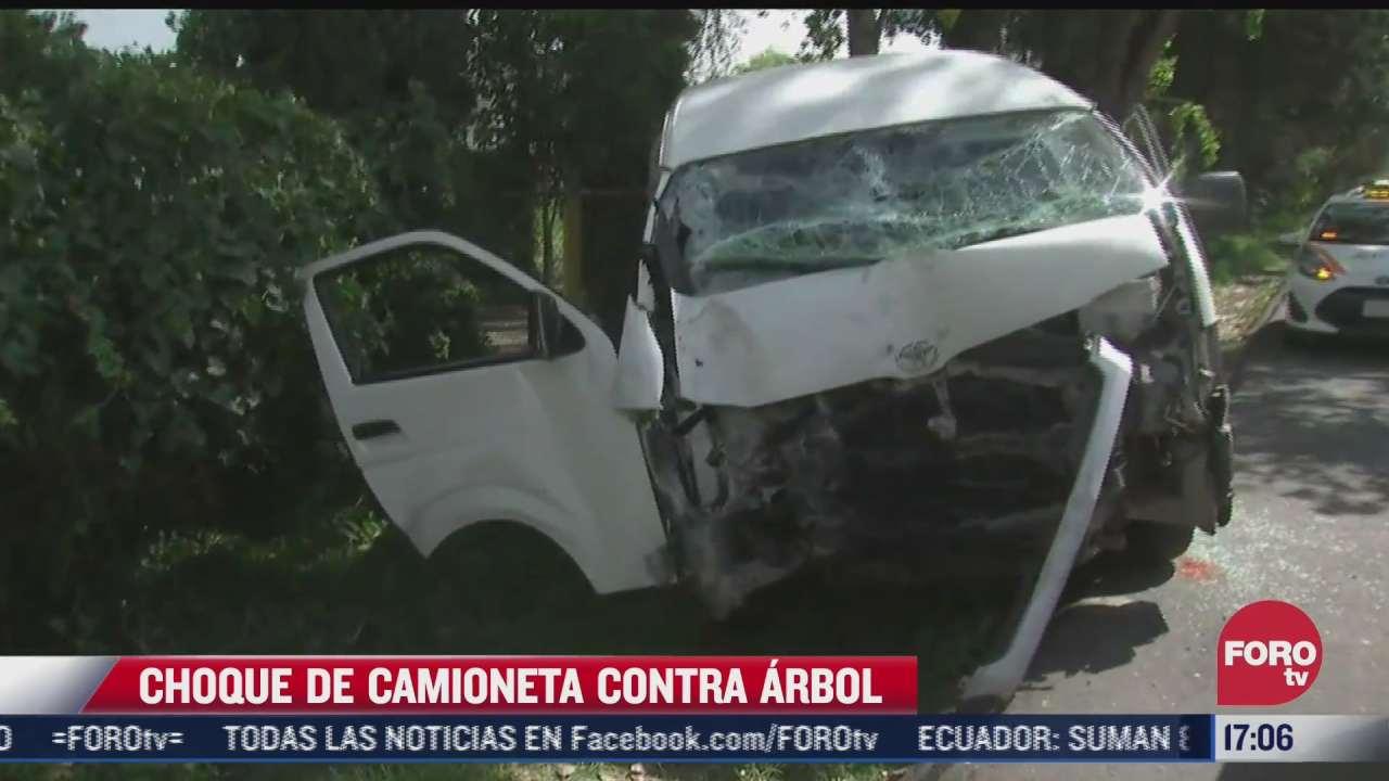 camioneta choca contra arbol en carretera penon texcoco