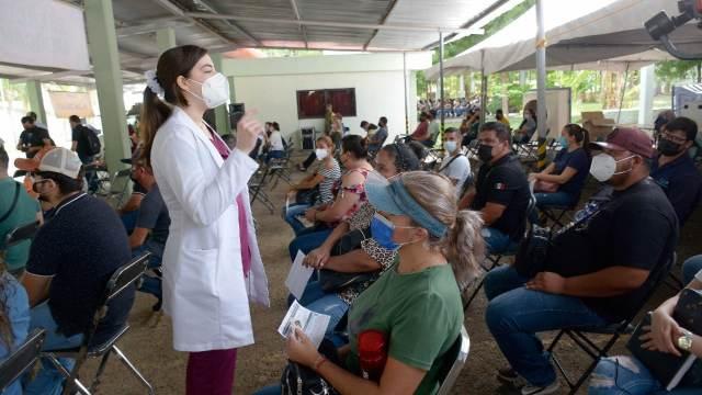 Contagios de COVID-19 se desbordan en Sinaloa, apuestan por la vacunación masiva