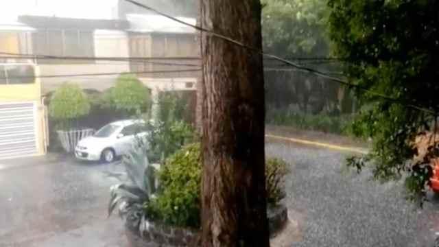 Granizada afecta calles de la alcaldía Coyoacán (FOROtv)
