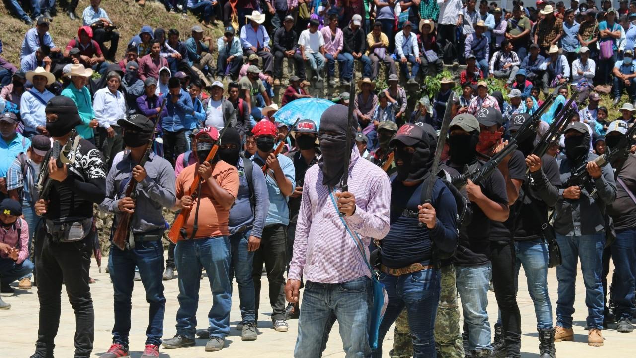 Hartos del abuso del narcotráfico, jóvenes tzotziles forman las autodefensas 'El Machete'