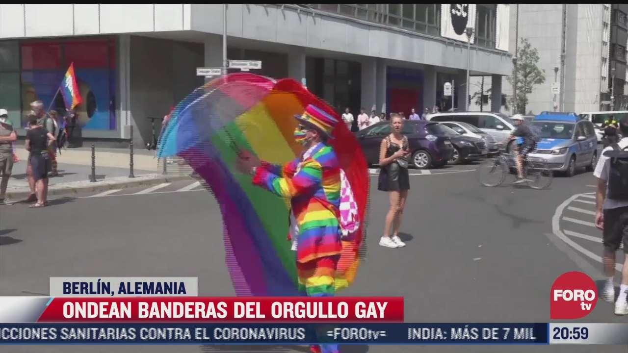 ondean banderas del orgullo gay en hungria y alemania