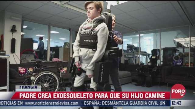padre crea exoesqueleto para que su hijo pueda caminar