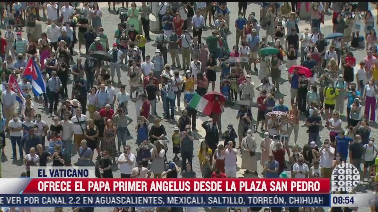 papa ofrece primer angelus en la santa sede desde que salio del hospital