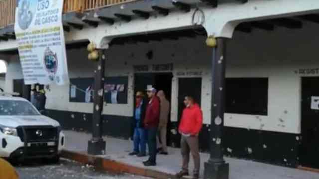 Hombres armados atacaron la jefatura de la Tenencia de Tarecuato, Michoacán