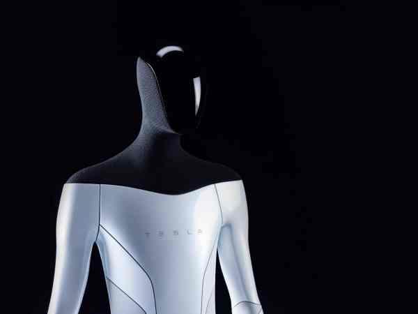 Elon Musk presenta robot humanoide de Tesla
