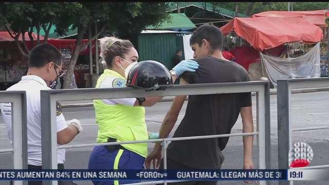 motociclista lesionado en accidente vial en reforma cdmx