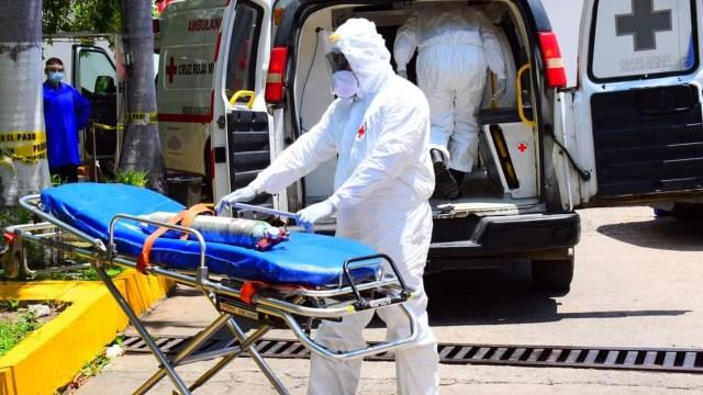 Paramédicos de Mazatlán no se dan abasto para realizar traslados de pacientes COVID-19