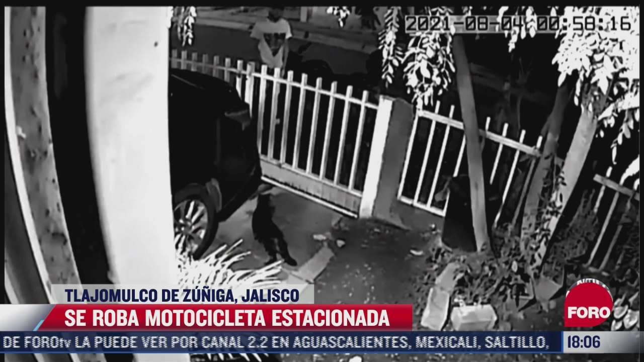 video captan el momento en el que un hombre robo una motocicleta en jalisco