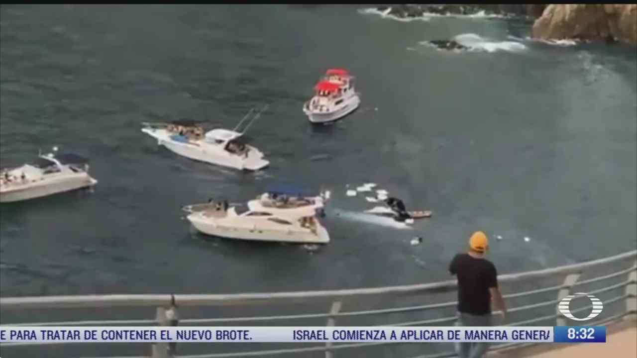 yate se hunde en zona de la quebrada en acapulco