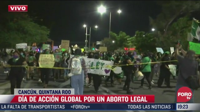 colectivas feministas marchan a favor del aborto en calles de cancun quintana roo