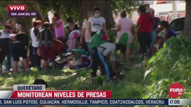 habitantes de queretaro tratan de recuperar sus bienes tras las fuertes lluvias en la zona