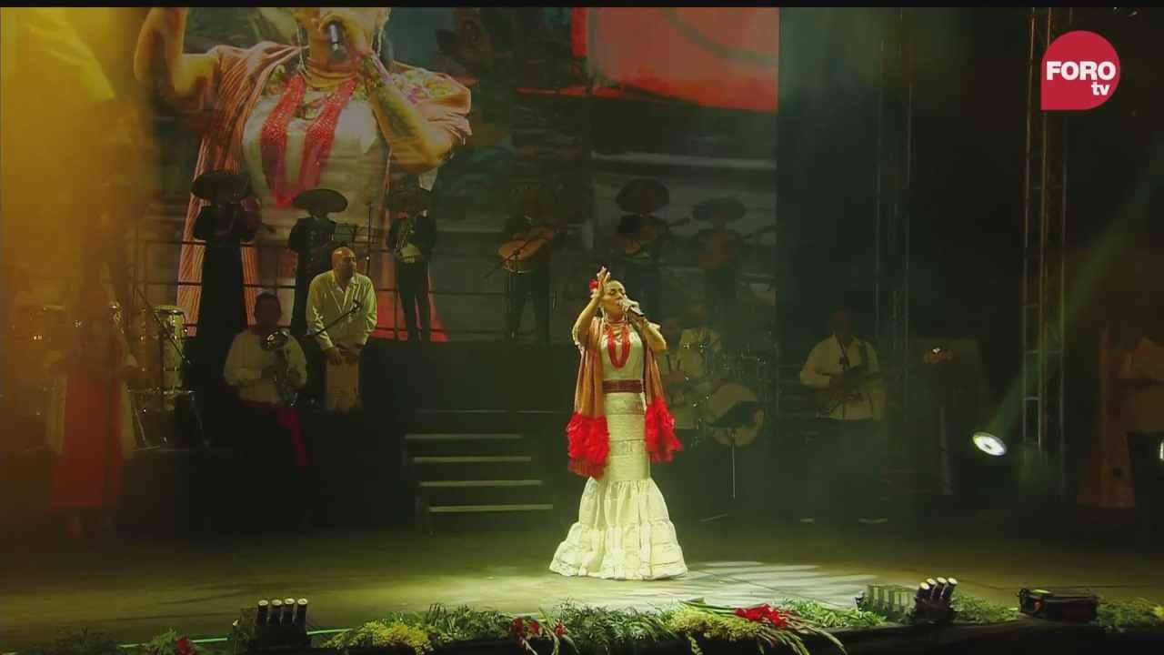 lila downs ofrece concierto tras la ceremonia del grito de independencia