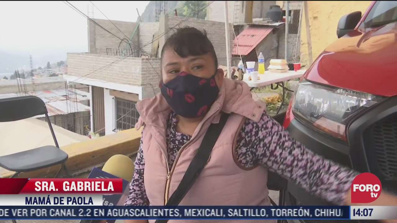 madre de paola mujer que quedo en los escombros del chiquihuite espera que le entreguen el cuerpo de su hija