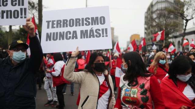 Perú aprueba que no sea entregado cuerpo de Abimael Guzmán a sus familiares