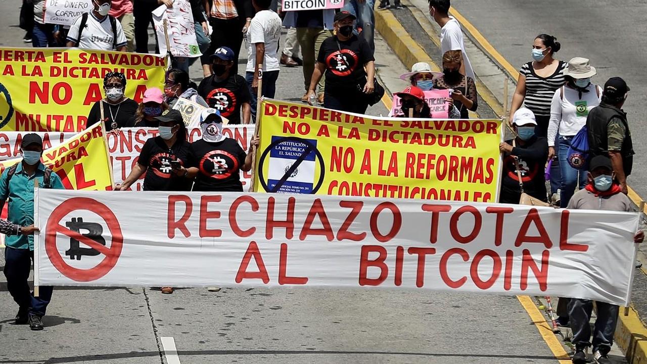 protesta contra bitcoin