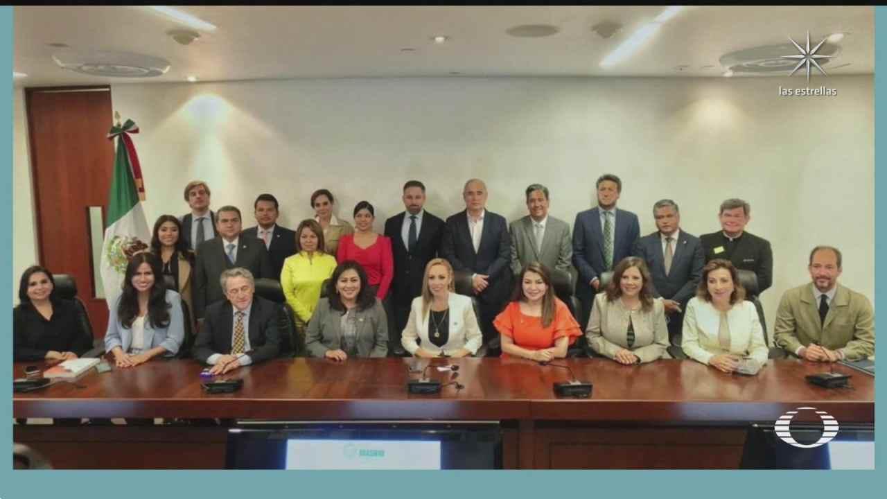 senadores del pan se reunen con presidente del partido espanol de ultraderecha vox