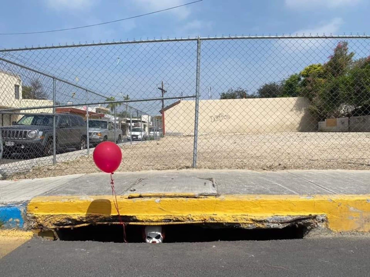 Pennywise, el payaso de 'Eso', aparece en Nuevo León