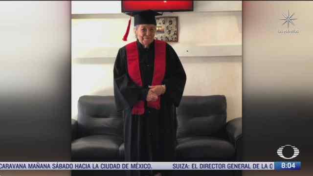 abuelita de 93 anos se gradua en administracion de empresas