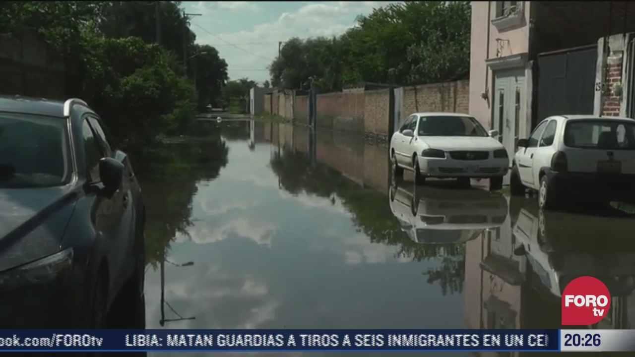 aguas negras mantienen inundadas calles en tlajomulco de zuniga