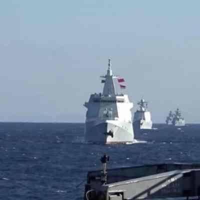 Buques de guerra de Rusia y China realizan primeras patrullas conjuntas