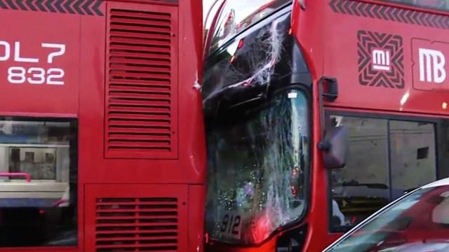 Chocan dos unidades de la L7 del Metrobús en la CDMX; hay varios lesionados