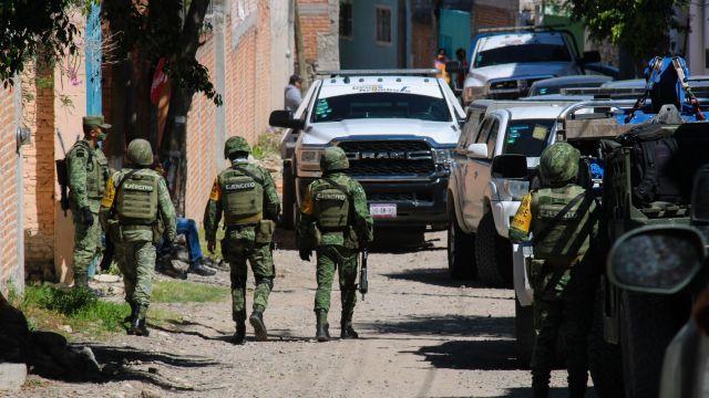 Ataques contra casetas de la policía en León dejan un muerto