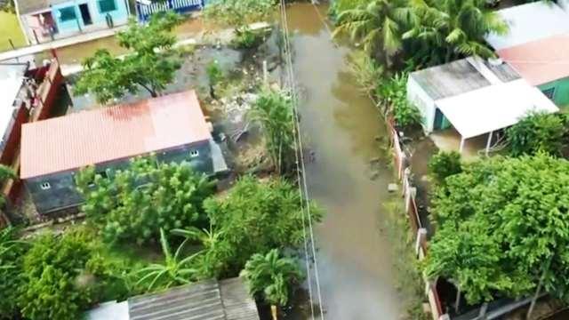 Lluvias torrenciales inundan miles de casas en Lerdo de Tejada, Veracruz; superan récord histórico