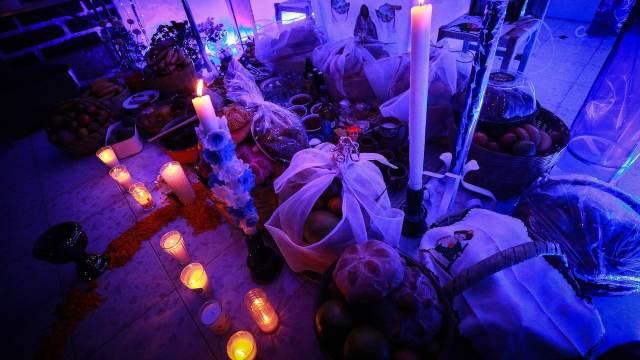 Ofrenda por Día de Muertos en México (Getty Images)