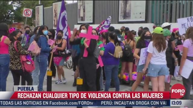 se realiza marcha feminista en puebla