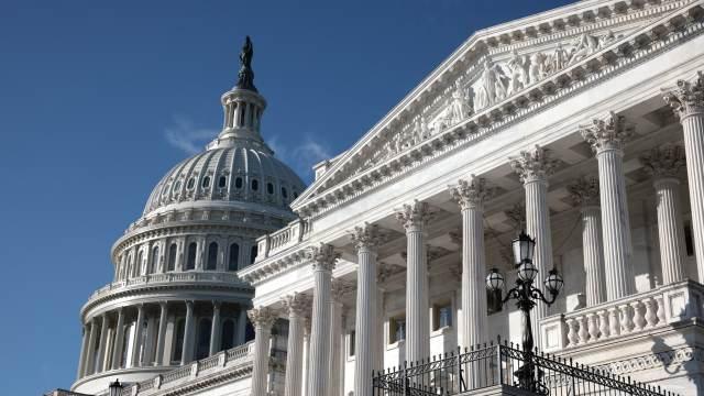 Senadores demócratas de EEUU proponen impuesto sin precedentes a los más ricos